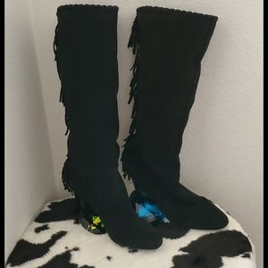 Cosmopolitan•Black knee high•fringed boots•9.5M